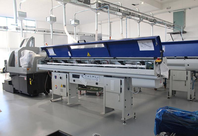 Nuovo Reparto Produzione - Parco Macchine Unispecial: torni Cnc - Centri di Lavoro - Fantine Mobili