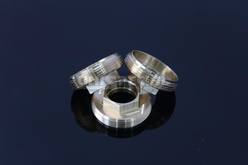 Messing Schrumpfband / Oesenmutter Drehteil - Gefräste und gedrehte präzision Teile für Nahrungsmittelmaschinen Bereich - CNC Bearbeitung nach Zeichnung bei Unispecial Automatische Dreherei von Padova Italien
